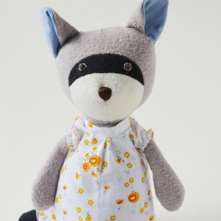 gwendolyn-raccoon